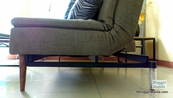 I also like the quality and durable steel based of the sofabed as seen from this photo on side view