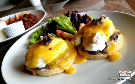 Royal Eggs Benedict