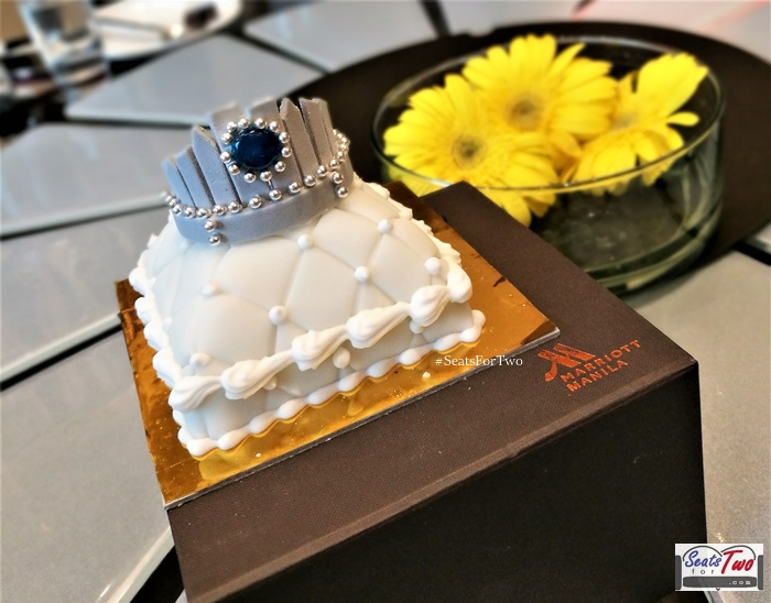 Marriott-Cafe-Miss-Universe-Tiara-Cake