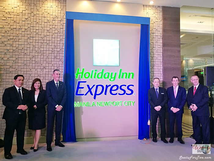 Book Holiday Inn Express Manila