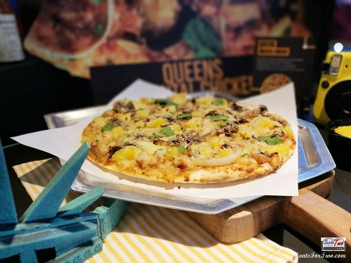 Queens Oriental Chicken Pizza
